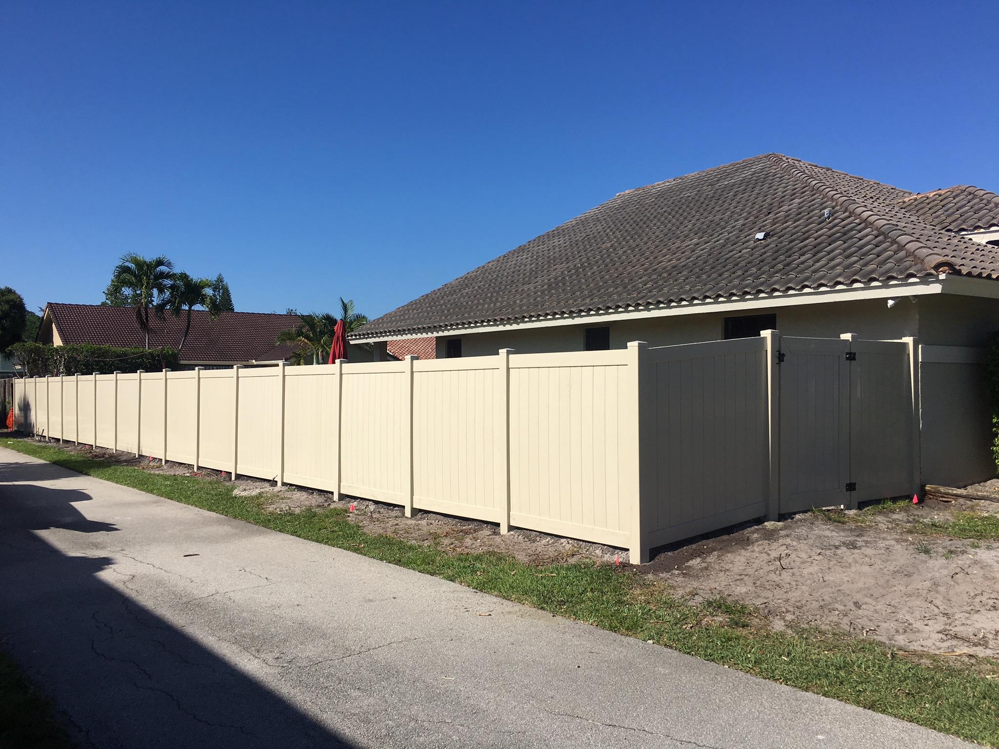 pvc fence installation company in Miramar FL