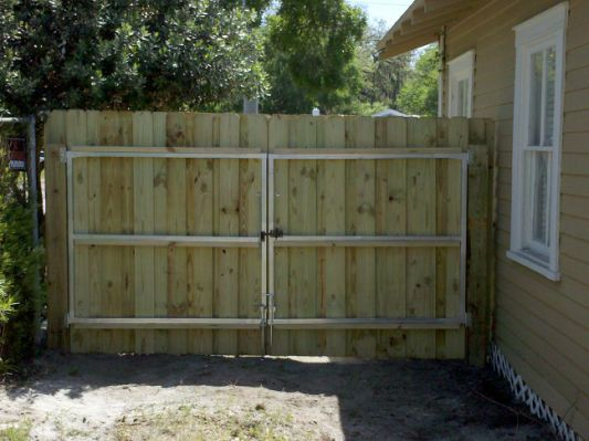 commercial fence installation services